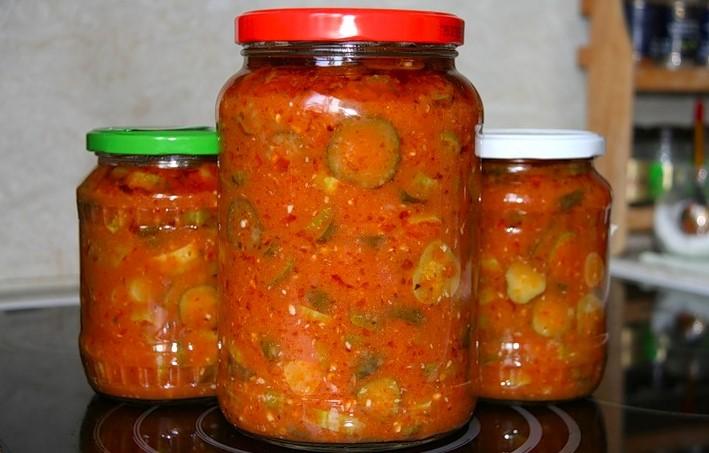 Огуречное лечо с домашним кетчупом