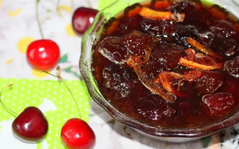 Вишневое варенье с косточками рецепт пошагового приготовления на зиму хранение