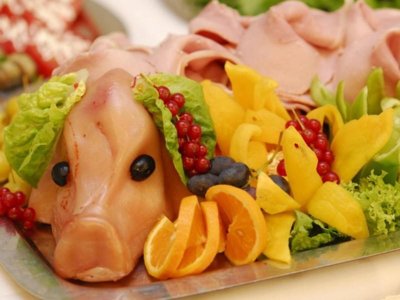 Салат «Свинка» на Новый 2019 год — 2 пошаговых рецепта приготовления новогоднего салата