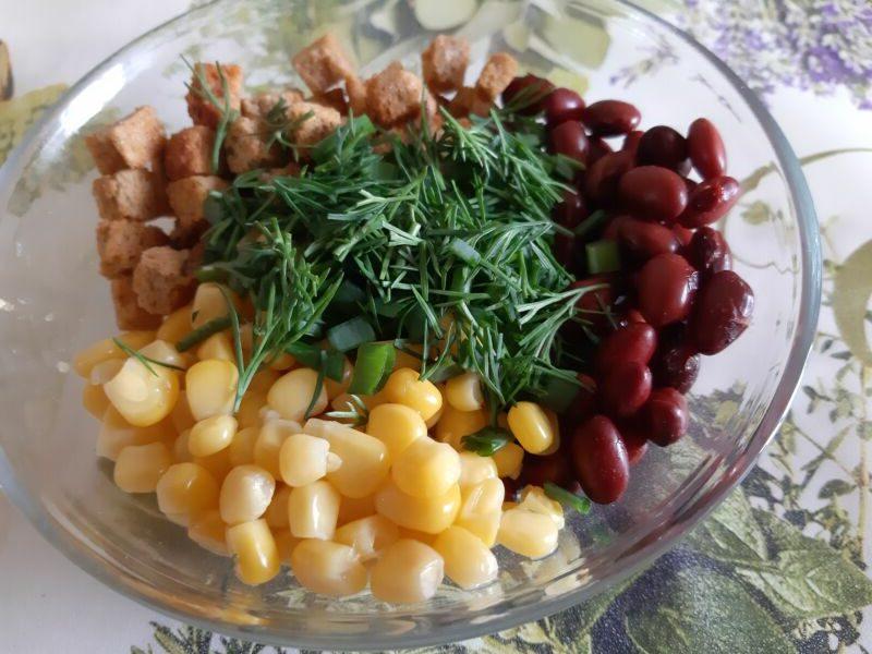 Фасоль, кукуруза, сухарики