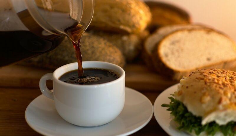 Домашний квас из черного ржаного хлеба